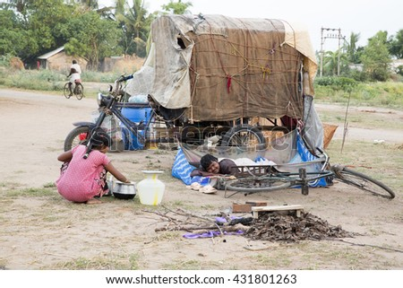 Pondicherry country, India - June 15 2014. Gipsy camp
