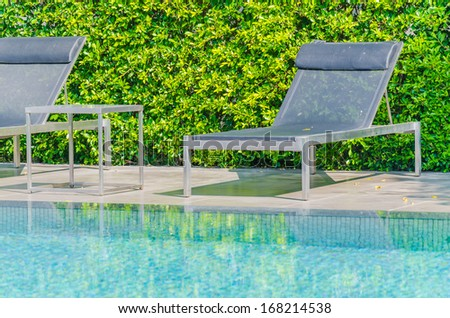 Pool bed on swimming pool