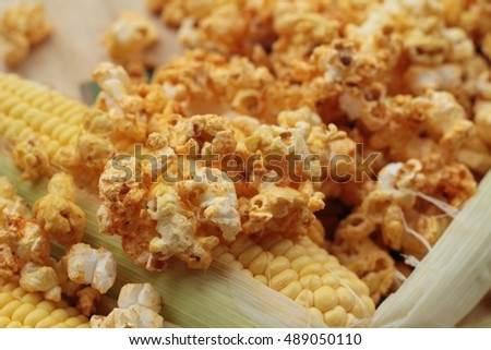 Popcorn with butter and fresh corn cob