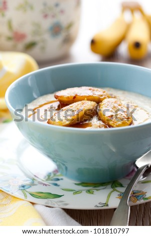 Porridge with honey and caramelised  bananas