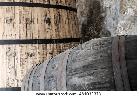 Port wine ageing vat (left) and cask (right)