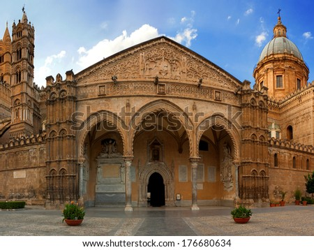 Portal of Palermo Cathedral. The photo was taken in september 2010 in Palermo (Italy)