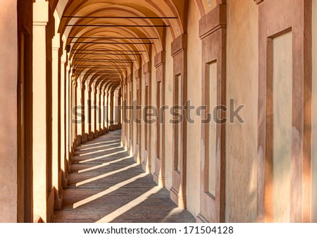 Portico di San Luca, Bologna, Iraly: the porch that connects the Sanctuary of the Madonna di San Luca to the city, a long (3.5 km) monumental roofed arcade consisting of 666 arches - stock photo