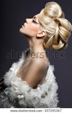 bức chân dung của người phụ nữ thời trang đẹp