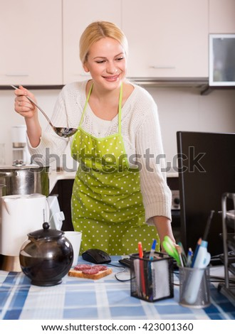 Working Women or Housewives ? Essay - 375 Words