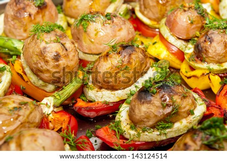 potatoes baked with vegetables