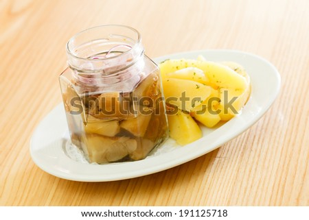 potatoes with herring
