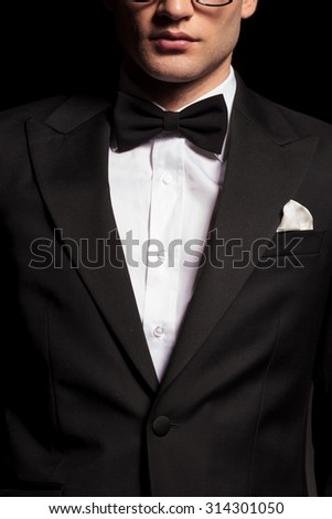 Potrait of a man wearing a tuxedo.