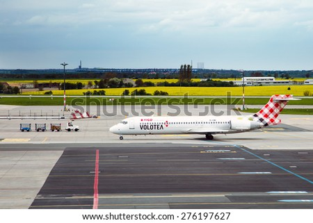 PRAGUE, CZECH REPUBLIC - MAY 03: Volotea Boeing 717-2BL taxis at PRG Airport on May 03,2015. Volotea is a Spanish low cost airline.