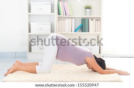 Kneeling Down While Pregnant Woman-kneeling S...