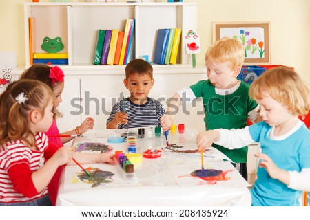 Preschoolers in the classroom working together