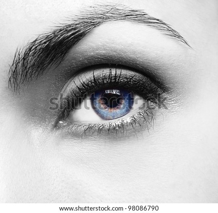 Pretty woman�s eye close up - stock photo