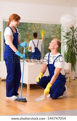Windows Cleaning Glass Without Smudges Red Stock Photo 123204070 ...