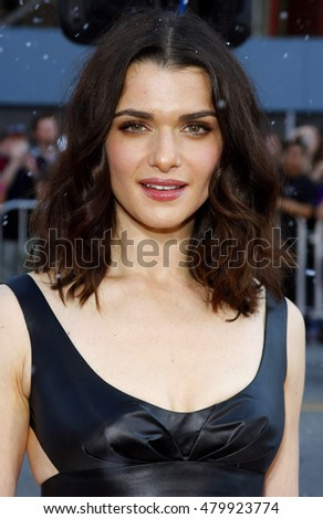 Rachel Weisz at the World premiere of 'Fred Claus' held at the Grauman's Chinese Theater in Hollywood, USA on November 3, 2007.