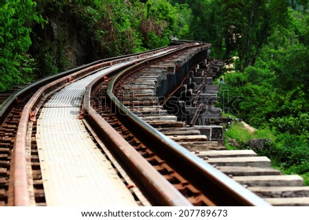 Rails around the mountain