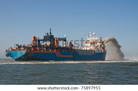 Rainbowing dredger