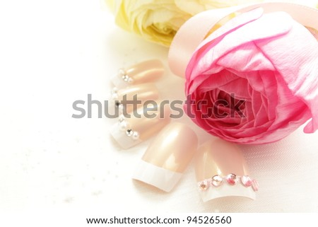 Ranunculus and nail chips