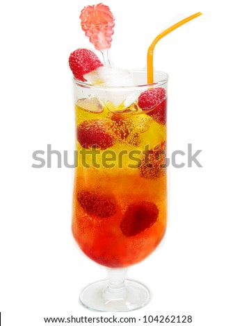raspberry juice drink with ice and berry