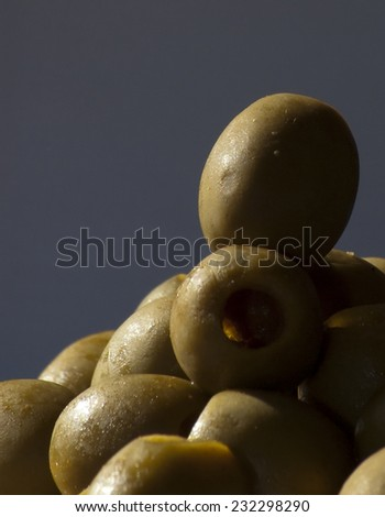 Raw olives without bones
