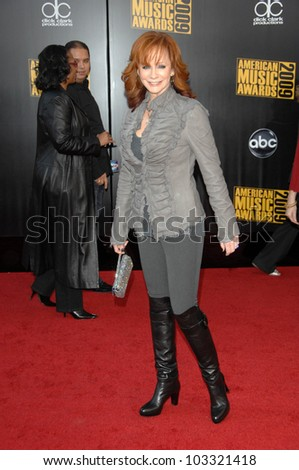 Reba McEntire at the 2009 American Music Awards Arrivals, Nokia Theater, Los Angeles, CA. 11-22-09
