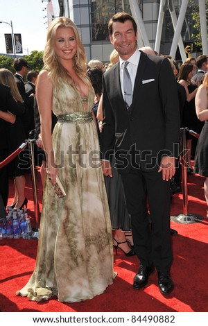 Rebecca Romijn & Jerry O'Connell at the 2011 Primetime Creative Arts Emmy Awards at the Nokia Theatre L.A. Live. September 10, 2011  Los Angeles, CA Picture: Paul Smith / Featureflash