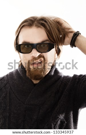 red bearded watching TV in 3D