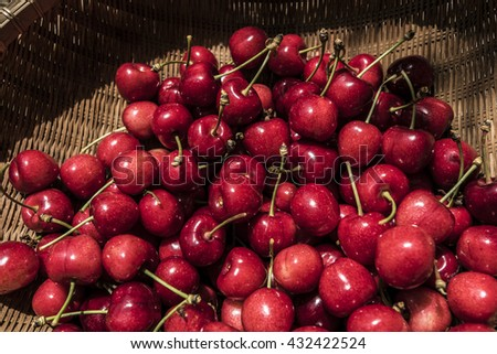 Red cherries group