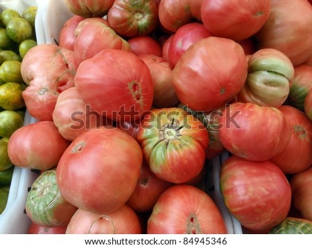 Red Heirloom Tomatoes for sale at farmers market in San Francisco