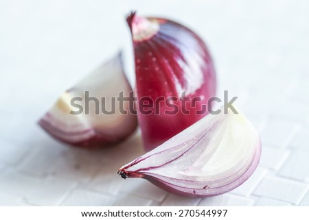red onions natural light with blurred background effect of trees in the garden. image suitable for restaurants, supermarkets, wholesalers, resellers onion products or health products
