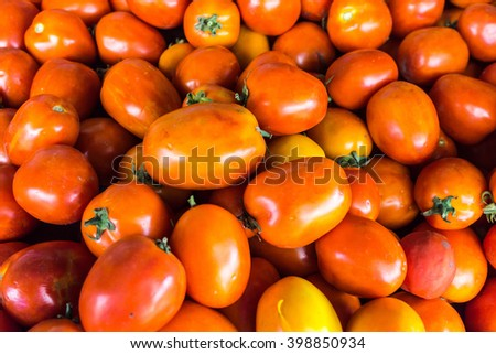 red tomatoes in fresh market