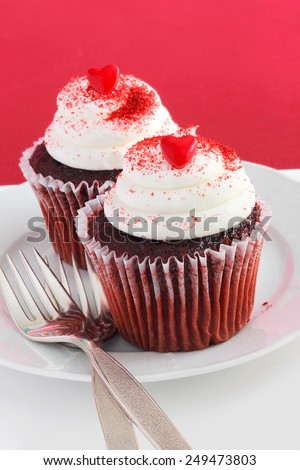 Red velvet cupcakes for your sweet Valentine