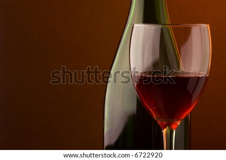 red wine glass bottle details