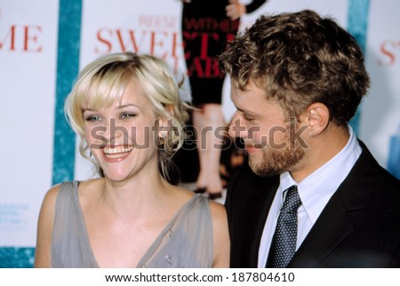 Reese Witherspoon and Ryan Phillippe at premiere of SWEET HOME ALABAMA, NY 9/23/2002