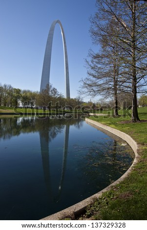 Reflections of the St. Louis arch - stock photo