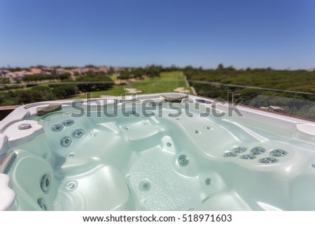 Relaxing round jacuzzi outdoor