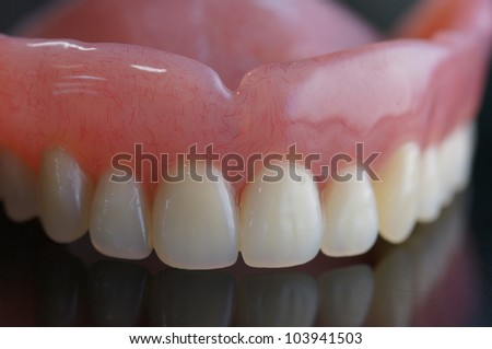 removable full denture made by resin
