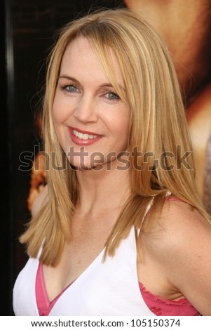 Renee O'Connor at the World Premiere of 'Drag Me To Hell'. Grauman's Chinese Theatre, Hollywood, CA. 05-12-09