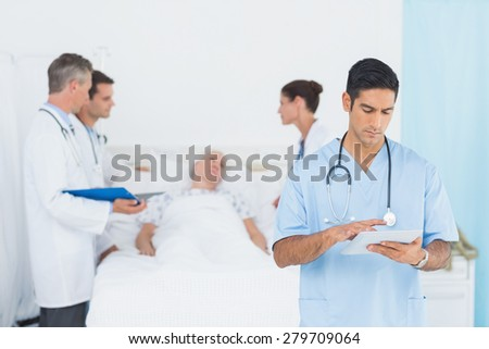 Report reading with patient behind in the hospital