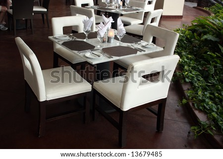 Restaurant table for four persons; Kona Island, Hawaii