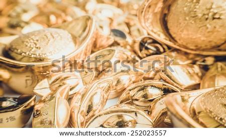 retro color shoeshaped metal gold ingot yuan bao china th currency