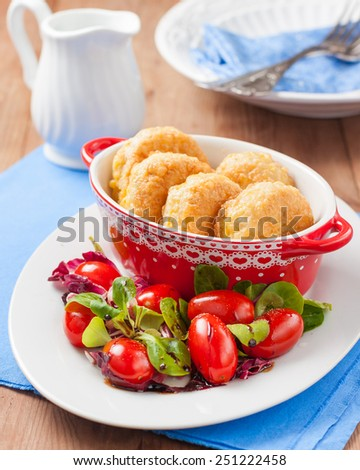 Rice patties with lettuce and tomatoes for religious fasting or diet - stock photo