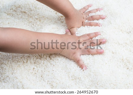 rice with hand