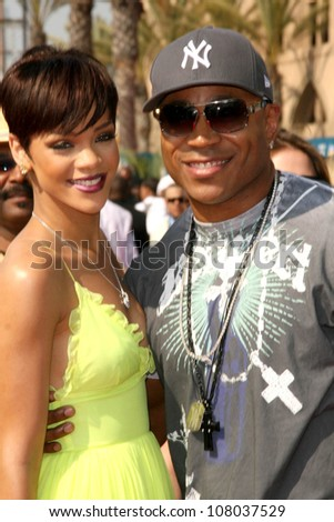 Rihanna and LL Cool J  at the BET Awards '08. Shrine Auditorium, Los Angeles, CA. 06-24-08