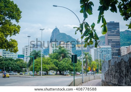 RIO DE JANEIRO, BRAZIL - CIRCA JAN 2016: Drive in the Rio de Janeiro streets with Sugarloaf Mountain in the background. - stock photo