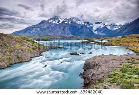 Rio Paine near Salto Grande waterfall - Torres del Paine N.P. (Patagonia, Chile)