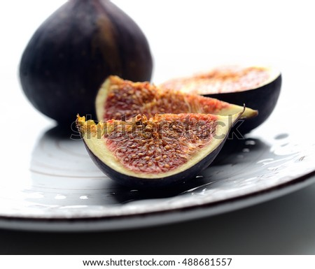 ripe figs on a plate