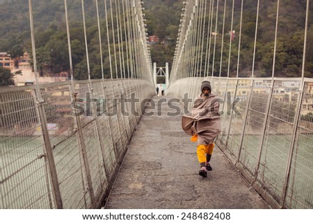 Workbook/Textbook Solution of Treasure Trove of Short Stories - Old Man At The Bridge