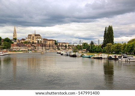 River banks Yonne, threatening sky, Auxerre (Burgundy France)