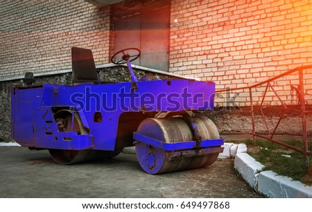 Road roller, for repair of roads and construction of new road sections