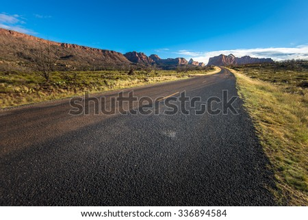 Road to Canyon in Arizona
